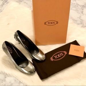 Tod's Metallic Silver Patent Leather Studded Pumps